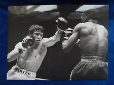 PHOTO - BOXE - LOUIS ACARIES DAVEY MOORE 1984 - PHILIPPE WOJAZER AFP - TOP !