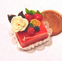 1:12 Scale Square Cake With Strawberry Icing Dolls House Miniature Accessory T1