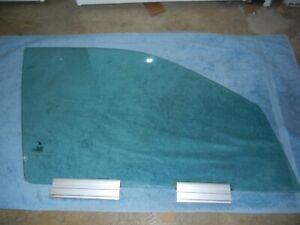 SAAB 9-5 Right Front Door Glass 99 - 2010