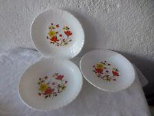 lot de 3 assiettes creuses arcopal France decor fleurs  deco cuisine vintage