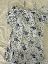Old Navy girl's Dress White Blue Flowers Print Off Shoulder Size L (10-12 Years)