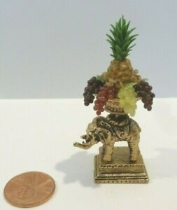 LOVELY DOLLHOUSE MINIATURE METAL ELEPHANT FRUIT BOWL STAND w/ grapes & pineapple