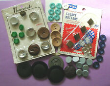 LARGE LOT 36 VINTAGE PLASTIC METAL WOOD MATCHING + SINGLE BUTTONS – SOME CARDED
