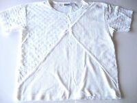 CRAZY HORSE SHORT SLEEVE WHITE KNIT TOP, GREAT DESIGN & CONDITION 805
