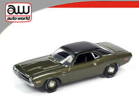 AUTO WORLD 1/64 1970 GREEN DODGE CHALLENGER R/T DIECAST MODEL CAR AWSP050