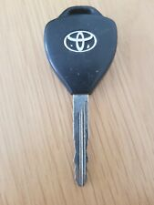 USED TOYOTA 2 BUTTON REMOTE CAR KEY FOB IN WORKING ORDER. (REF 408)