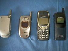 4 VECCHI CELLULARI TELEFONINI VINTAGE - NOKIA - SAMSUNG - MOTOROLA