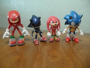 "Jazwares Sonic The Hedgehog Action Figure Lot 3"" & 2"" Figures Sonic & Knuckles"