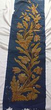 ancien french textile panneau broderie laine sur feutrine fleurs XIXe  140x40cm
