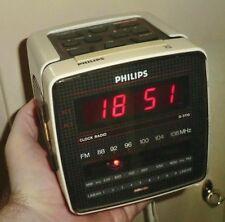 Cubo PHILIPS Clock Radio d3110/02 orologi Radio Radio Sveglia 2-band led rosso 1985