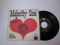 SP 2 TITRES VINYL 45 T , MAJORITY ONE , BECAUSE I LOVE . VG + / EX . PINK 22.525