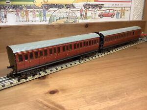2 x Unboxed Hornby Dublo 3 Rail D13 BR Suburbans 32090 1st/3rd & 32091 Brake 3rd