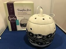 Scentsy Pumpkin Lace  Scented Wax Candle Warmer Black White Retired Halloween