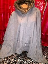 Victorias Secret Supermodel Poncho Hoodie Fur Hood Light Gray XS/S