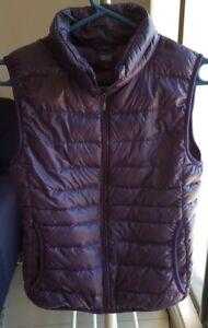 Uniqlo purple size S light sleeveless vest - down feather