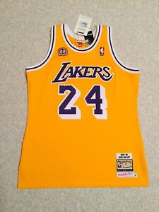 100% AUTHENTIC Vintage Kobe Bryant 07-08 Lakers Mitchell & Ness Jersey SOLD OUT!