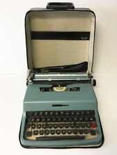 Olivetti Underwood Lettera 32 Typewriter 1960's vintage w/ case. Made in Italy.