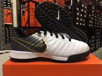 Nike Junior Legend 7 Academy TF Soccer Shoes (White/Black/Gold) Size: 1-3.5 NEW!