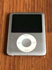 Apple iPod Nano 3rd Generation Silver (4 GB) GOOD!