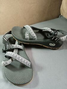 Chaco expensive women sandal in MINT con size Uk6/39.cheap auction
