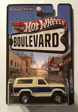 Hot Wheels 2013 Boulevard Real Riders '85 Ford Bronco 4x4