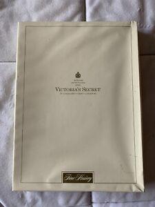 VINTAGE VICTORIA SECRET STOCKINGS X2.