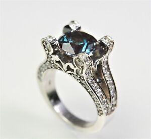 14K white Gold Ring W Beautiful Alexandrite 1.60ct , 80 Diamonds 1.60ctw