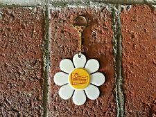 vintage daisy flower keychain key fob 1 Hour Martinizing  white yellowretro 1970