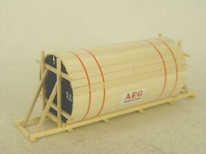AEG Generator in Holzschalung    - LKW  Ladegut - Bauer HO 1:87  -  1002   #E