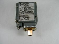 SQUARE D PRESSURE SWITCH / INTERRUPTER TYPE GAW-2 CLASS 9012
