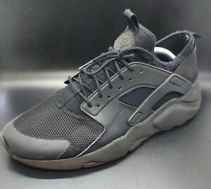 NIKE AIR Huarache Black On Black Trainers - EUR 45 UK - Size 10