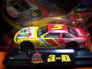 TERRY LABONTE 3-D 1999 KELLOGG'S CORN FLAKES 1/64 CAR with DISPLAY STAND RC
