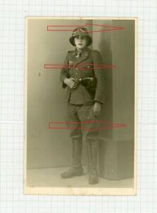 Portrait Afrika Korps mit Tropenuniform Helm Brille Schnürstiefel Pistole Napoli