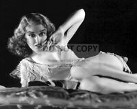 """FAY WRAY IN THE FILM """"KING KONG"""" - 8X10 PUBLICITY PHOTO (AB-802)"""