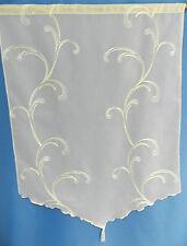 Scheibenhänger mit bestickter Ranke in weiß/creme mit Tunneldurchzug