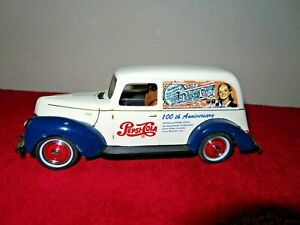 100TH ANNIV PEPSI-COLA 1940 FORD PANEL DELIVERY 1:18 GOLDEN WHEEL OPENING HOOD