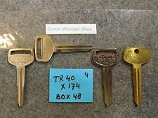 Set of 2 Key Blanks Toyota TR40 Uncut Locksmith TR-42, TOYO-20D, DT13L, DH4R,