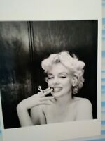 AMAZING BLACK & WHITE  POST CARD  MARILYN MONROE 1956