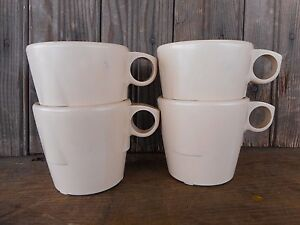 Vintage Restaurant Retro Dallas Ware Melamine Coffee Cups Mugs Tan lot of 4 used