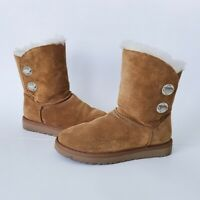 UGG Short Chestnut Turnlock Boots Style 1094933 Size 7