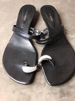 Nine West women's jewel toe strappy sandals with low heels sz 9m leather black