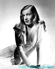 Actress Veronica Lake (12) - Celebrity Photo Print