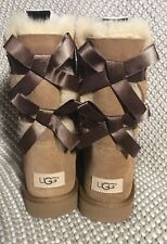 UGG BAILEY BOW II WOMEN SHORT BOOTS SUEDE CHESTNUT US 9