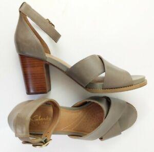 Clarks Artisan Briatta Tempo Gray Leather Ankle Strap Sandals Sz 9 M Block Heel