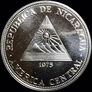 1975 Nicaragua 100 Cordobas KM #36 Foreign Silver Coin Earthquake Relief PROOF
