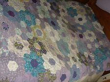 VINTAGE 1980'S HEXAGON HAND SEWN PATCHWORK QUILT SHABBY GRANNY CHIC