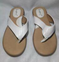 Womens B.O.C Born Concepts White Thong Flip Flop Sandal Shoe Size 6