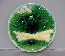 Assiette à asperges en barbotine de la période fin 19ème siècle.