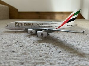 EMIRATES AIRLINES Airbus A380 Aircraft Model 1:250 Scale Premier Planes