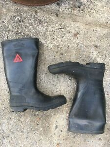 Avon special service safety toe cap wellies size 9